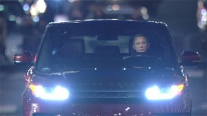 daniel craig land rover range rover sport 628 300x168 Daniel Craig nets $1M to show up at Land Rover NY, leaves quickly