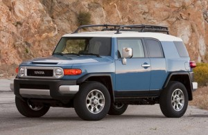 004 toyota fj cruiser 300x195  Toyota recalling FJ Cruiser due to excessively bright headlights